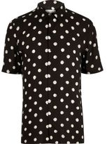 River Island MensBlack dotted short sleeve shirt