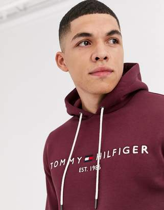 Tommy Hilfiger classic chest logo hoodie in burgundy-Red