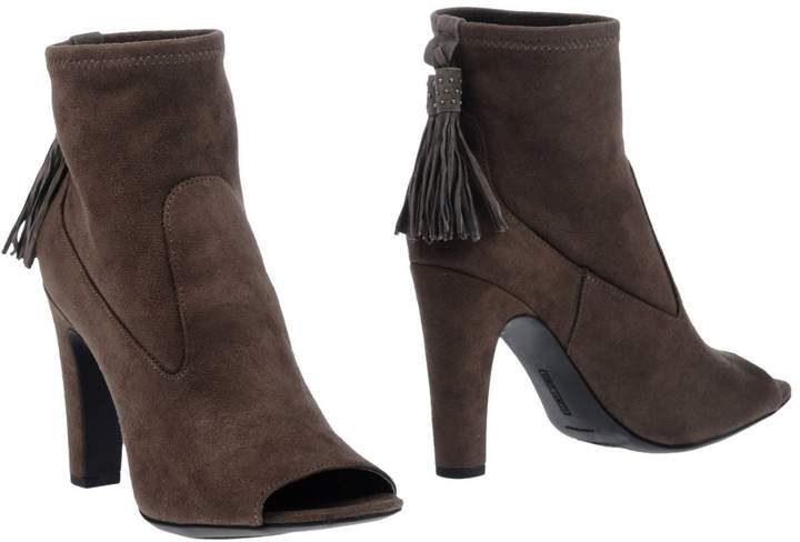 Vince Camuto Ankle boots - Item 11253440FA