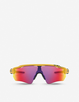 Oakley OO9208 Radar EV wrap-around sunglasses