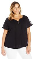 Fresh Women's Plus-Size S/Rounded Hem Top with Crochet Back Yoke