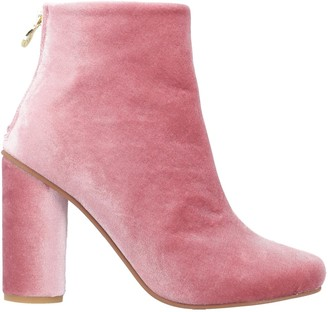 Stine Goya Ankle boots