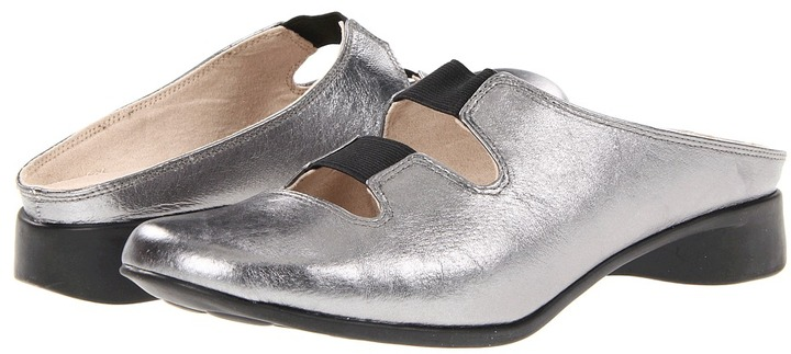 J. Renee Maxie (Pewter Metallic Nappa Leather) - Footwear