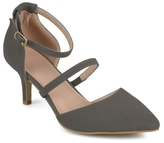 Journee Collection Chaney Pump