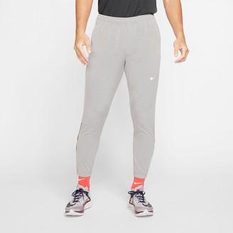 Nike Men's Essential Woven Jogger Pants