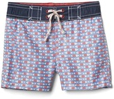 Gap Americana fish board shorts