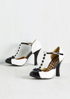 Luxe-y Lady T-Strap Heel in Black and White in 9