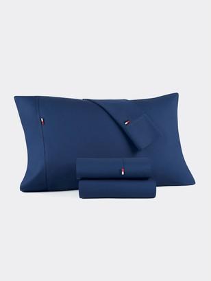 Tommy Hilfiger Signature Solid Dark Blue Sheet Set