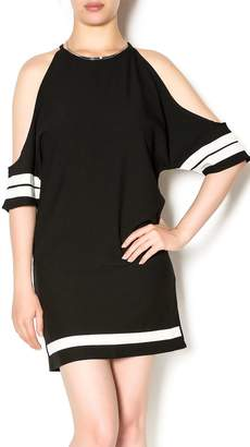 Style For S Sporty Cold Shoulder