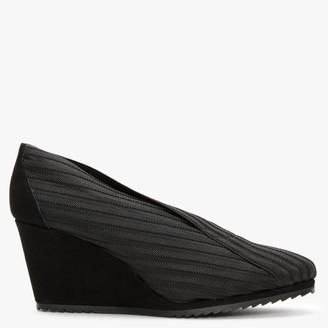 Daniele Ancarani Ribbed Black Elasticated Wedge Shoes