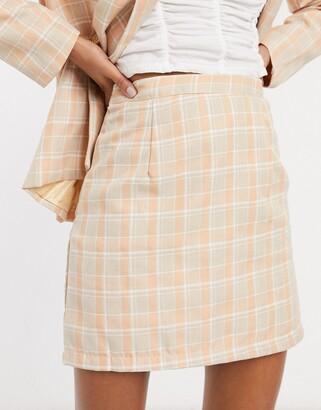 Heartbreak tailored mini skirt in coral check
