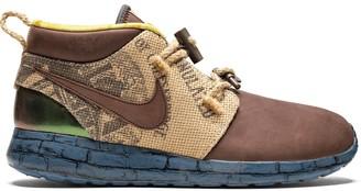 Nike Roshe Run Trollstrike sneakers