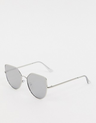 Jeepers Peepers oversized cat eye sunglasses in black with mirror lens