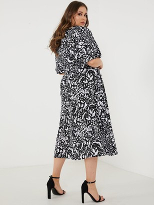 Quiz Curve Black And Cream Leopard Print Wrap Dress