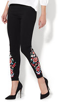 New York & Co. 7th Avenue Pant - Legging - Embroidered Ankle - Black