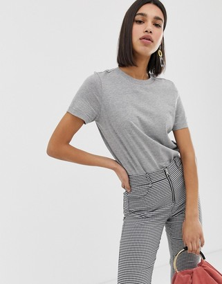 Vero Moda t-shirt in grey