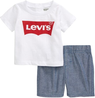 Levi's Graphic Tee & Shorts Set