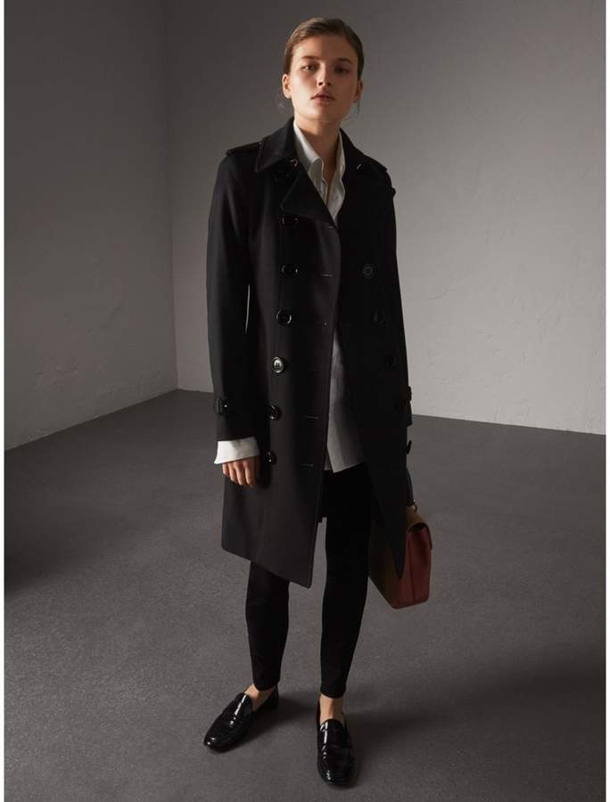 Burberry Sandringham Fit Cashmere Trench Coat , Size: 06, Black