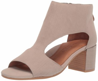 Gentle Souls by Kenneth Cole Women's Charlene 2 Peep Toe T-Strap Mid-Heeled Sandal Sandal