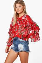 boohoo Petite Alexis Frill Front Long Sleeve Floral Top