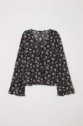 H&M Patterned blouse with lacing