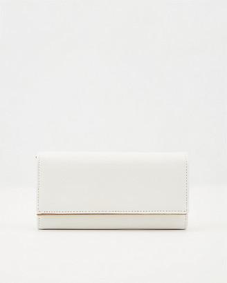 Le Château Saffiano Faux Leather Crossbody Wallet