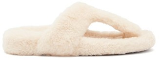 Aquazzura Relax Shearling Slides - Cream