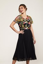Yumi Floral Embroidery Black Pleated Dress