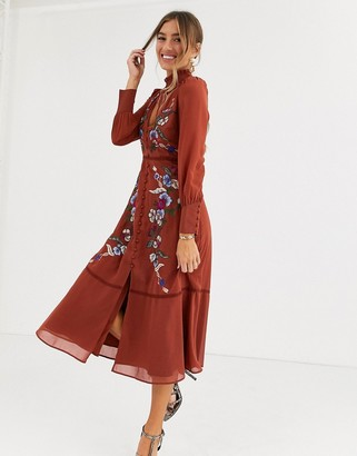 Hope & Ivy embroidered midaxi dress in burnt orange