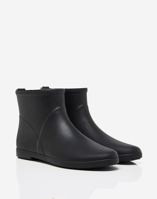 Madewell Alice + Whittles Minimalist Ankle Rain Boot in Black and White