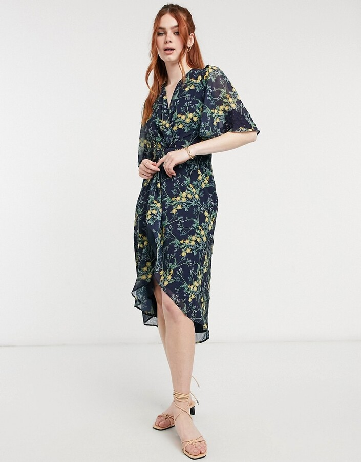 Thumbnail for your product : Hope & Ivy kimono knot front midi dress in navy floral