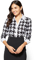 New York & Co. 7th Avenue SecretSnap Madison Stretch Shirt - Houndstooth - Petite