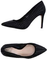 Vince Camuto Court