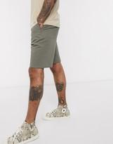 Asos Design DESIGN relaxed skater chino shorts in khaki