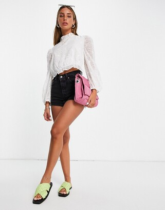 Lost Ink blouse with puff sleeves and open back in eyelet