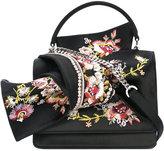 No.21 floral embroidery shoulder bag