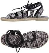 Pieces Sandals - Item 11208401