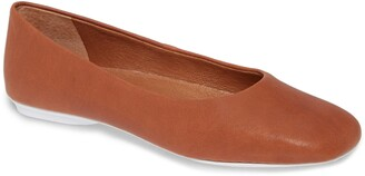 Gentle Souls by Kenneth Cole Gentle Souls Signature Eugene Travel Ballet Flat
