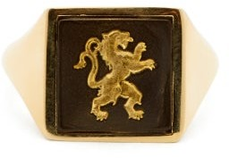 Wedgwood Ferian Ceramic Lion And Gold Signet Ring - Womens - Black
