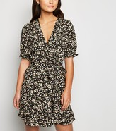 New Look Petite Floral Puff Sleeve Dress