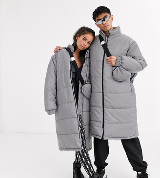 COLLUSION Unisex reflective puffer jacket with removable bag in gray