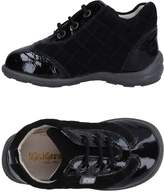 Kickers Low-tops & sneakers - Item 11325288
