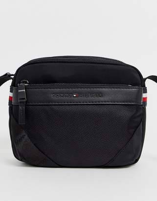 Tommy Hilfiger camera bag in black with small flag logo