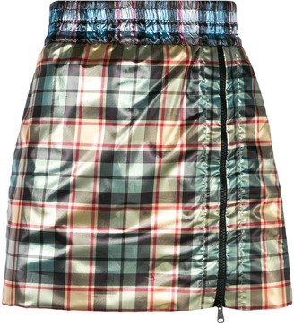 No.21 Shiny mini skirt with zip