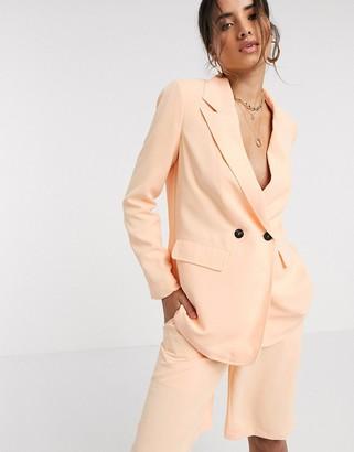 Vero Moda exclusive tailored blazer in peach