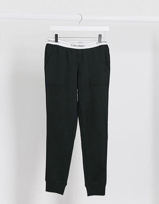 Calvin Klein Modern Cotton lounge jogger in black
