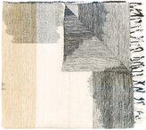 Humanoid contrast scarf