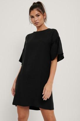 NA-KD Short Ruffle Sleeve Dress