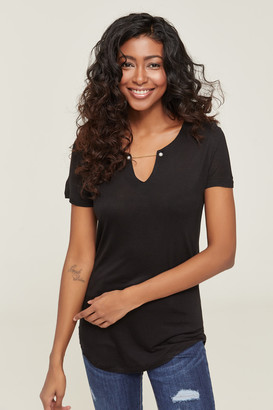 Ardene Tee with Faux Pearls and Chain collar