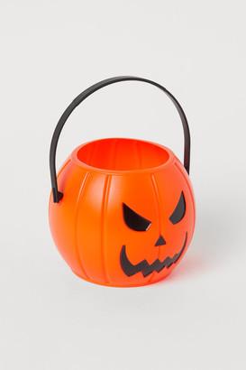 H&M Halloween bucket